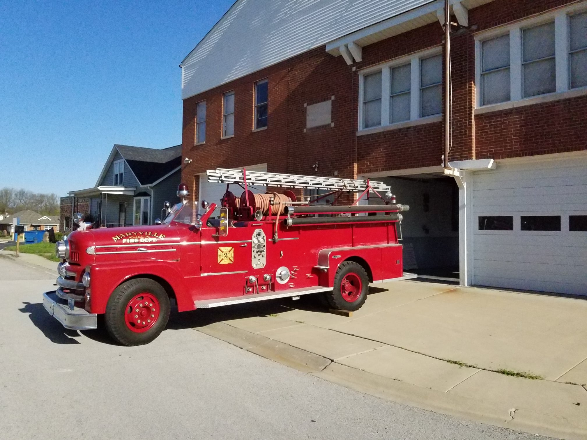Picture of Maryville Museum with old firetruck.